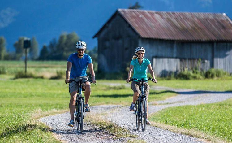 Radfahren Kochel Am See 2 Fotograf Thomas Kujat Copyright Tourist Information Kochel Am See Web