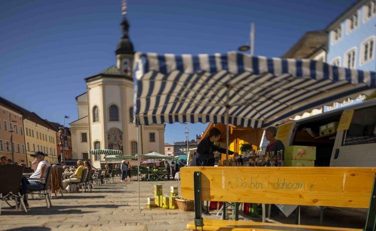01 Stadtplatz Traunstein Richard Scheuerecker