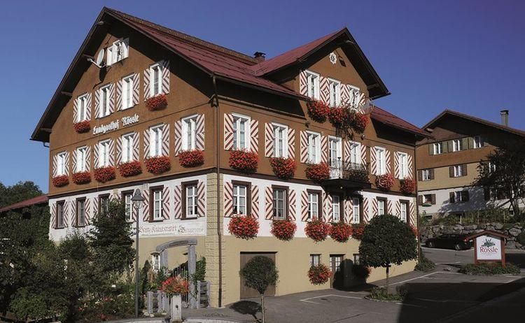 2012 Roessle Haus Geranien 1024x686 1