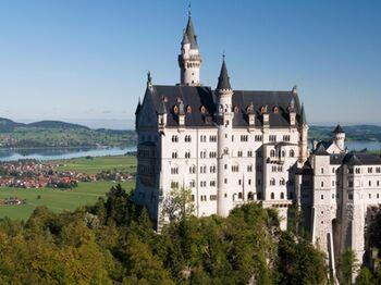 Schloss Neuschwanstein, König Ludwigs II. Traum einer mittelalterlichen Ritterburg - Bild: Füssen Tourismus