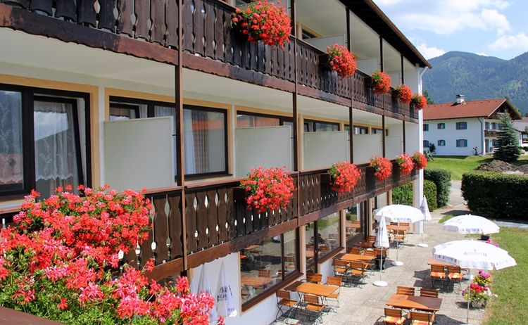Hausansicht Hotel Alpenblick Berghof 1