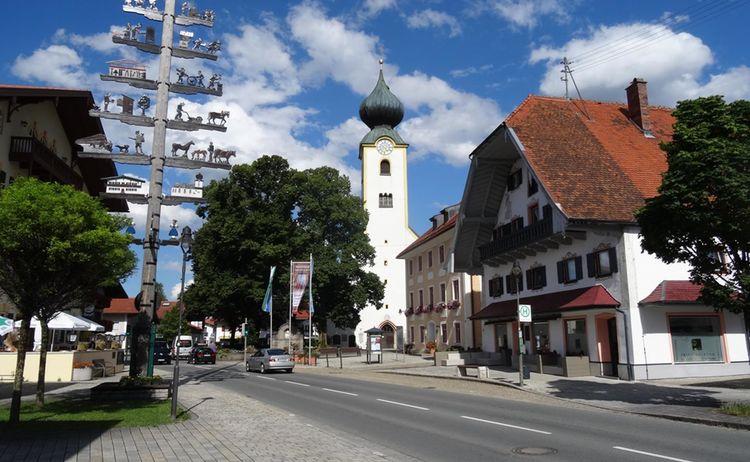 Kirchplatz Grasssau 3 10 18 2019