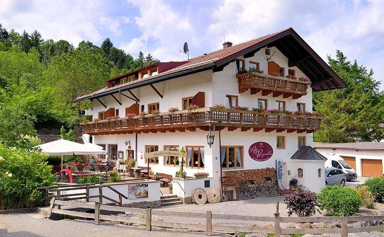 Landgasthof Alte Bergm Hle In Fischbachau 3