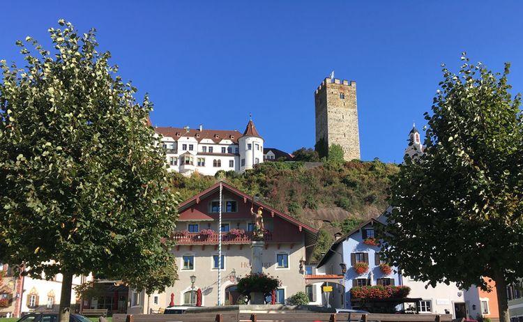 Neubeubern Brunnen Zum Schloss2 Gemeinde Neubeuern Copy