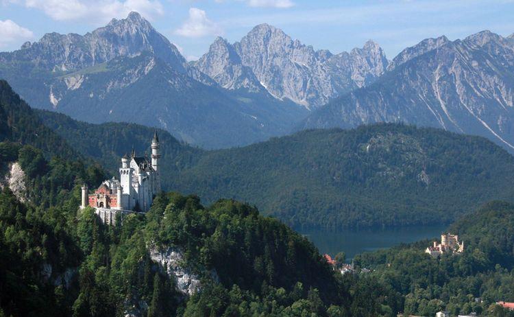 Blick auf die Königgsschlösser Neuschwanstein und Hohenschwangau © Füssen Tourismus und Marketing / Gerhard Eisenschink