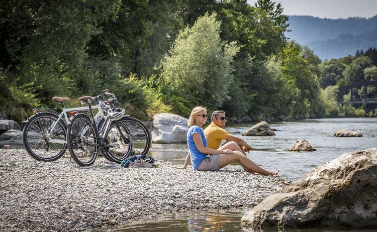 Rast An Der Tirolar Ache Web Chiemgau Tourismus