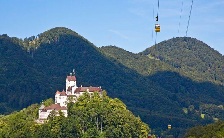 Schloss Hohenaschau und Kampenwandbahn, Aschau i.Chiemgau © Chiemsee-Alpenland Tourismus