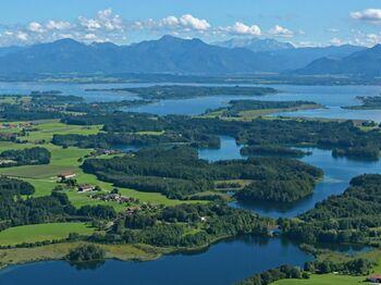 Der Chiemsee, das Alpenpanorama, die Eggstätt-Hemhofer Seenplatte - Bild: Chiemsee-Alpenland Tourismus