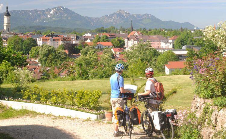 Traunstein Zu Fuessen Der Chiemgauer Alpen Web