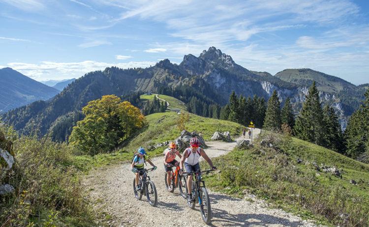 Unterwegs Auf Den Grassauer Almen Biker Hochalm Hans Vodermeier